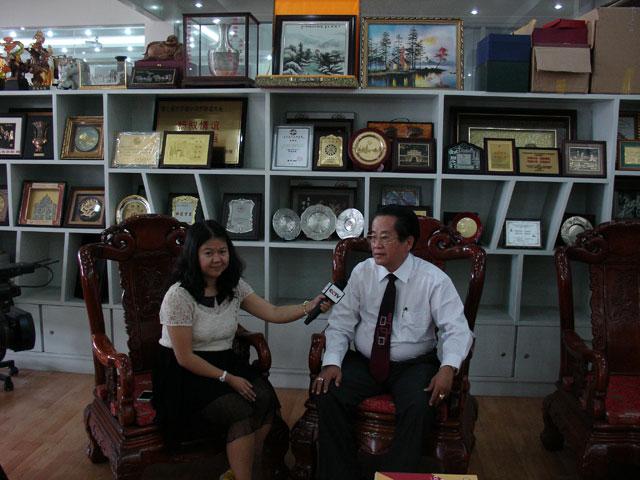 中国中央电视台常驻仰光林曦记者专访缅甸华商商会会长吴继垣