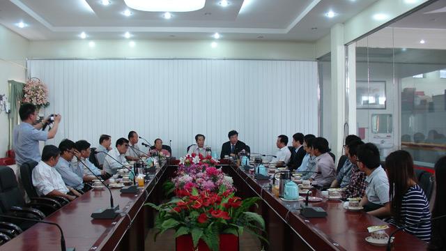 缅甸华商商会热烈欢迎北京对外经济贸易大学校长一行代表团到访期间亲切交流 气氛融洽 涵意深刻