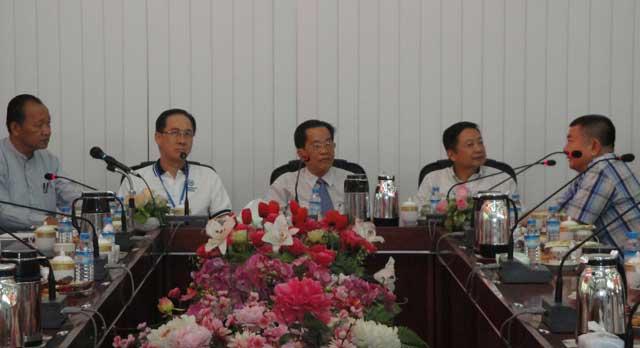 澳门北区工商联会代表团到访缅甸华商商会分别举行座堂会 签约友好协议书仪式