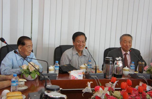 中国教育交流协会拜访缅甸华商商会