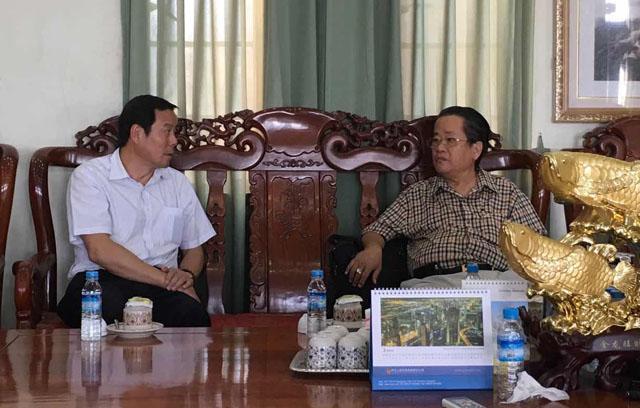 中国云南省侨务办公室 袁光兴 副主任为首的一行(5)人拜访缅甸中华总商会
