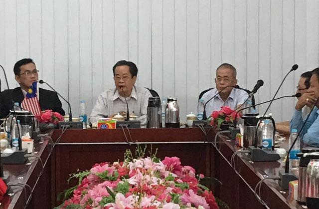 马来西亚吉隆坡中华大会堂 拿督蔡志权 会长为首的一行(20)位拜访缅甸中华总商会