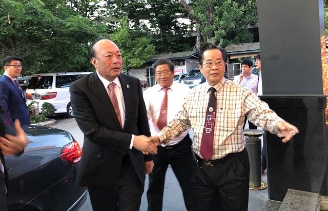 缅甸中华总商会在仰光欢迎并宴请天狮集团李金元董事长一行嘉宾