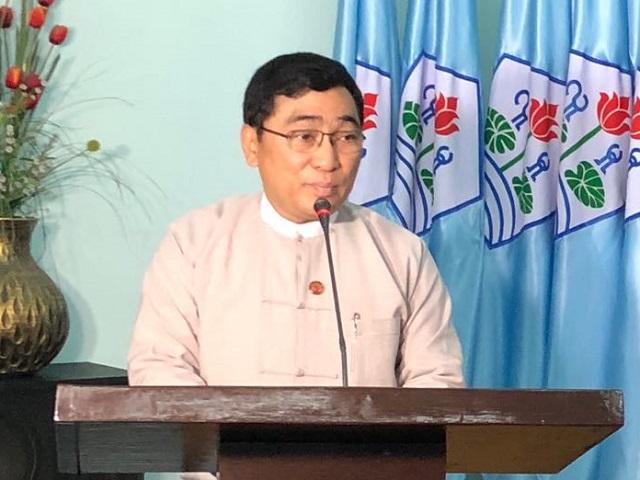 缅甸中华总商会积极参加社会公益活动捐款援助洪水灾区
