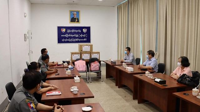 缅甸中华总商会赴机场公安局捐赠抗疫物资